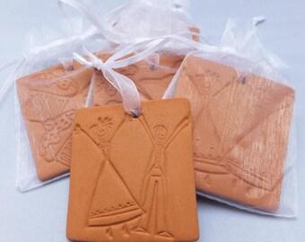 Ceramic Oil Diffuser, Handmade, Wedding Couple design