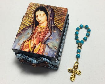 Our Lady of Guadalupe. Mini Rosary. Wooden box.Communion Memories. Communion favors. Christening Memories.Prayer beads box.Guadalupe Virgin