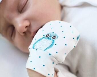 Otti Owls scratch mittens. Newborn, baby gift, baby boy, baby girl, gender neutral cotton mittens.