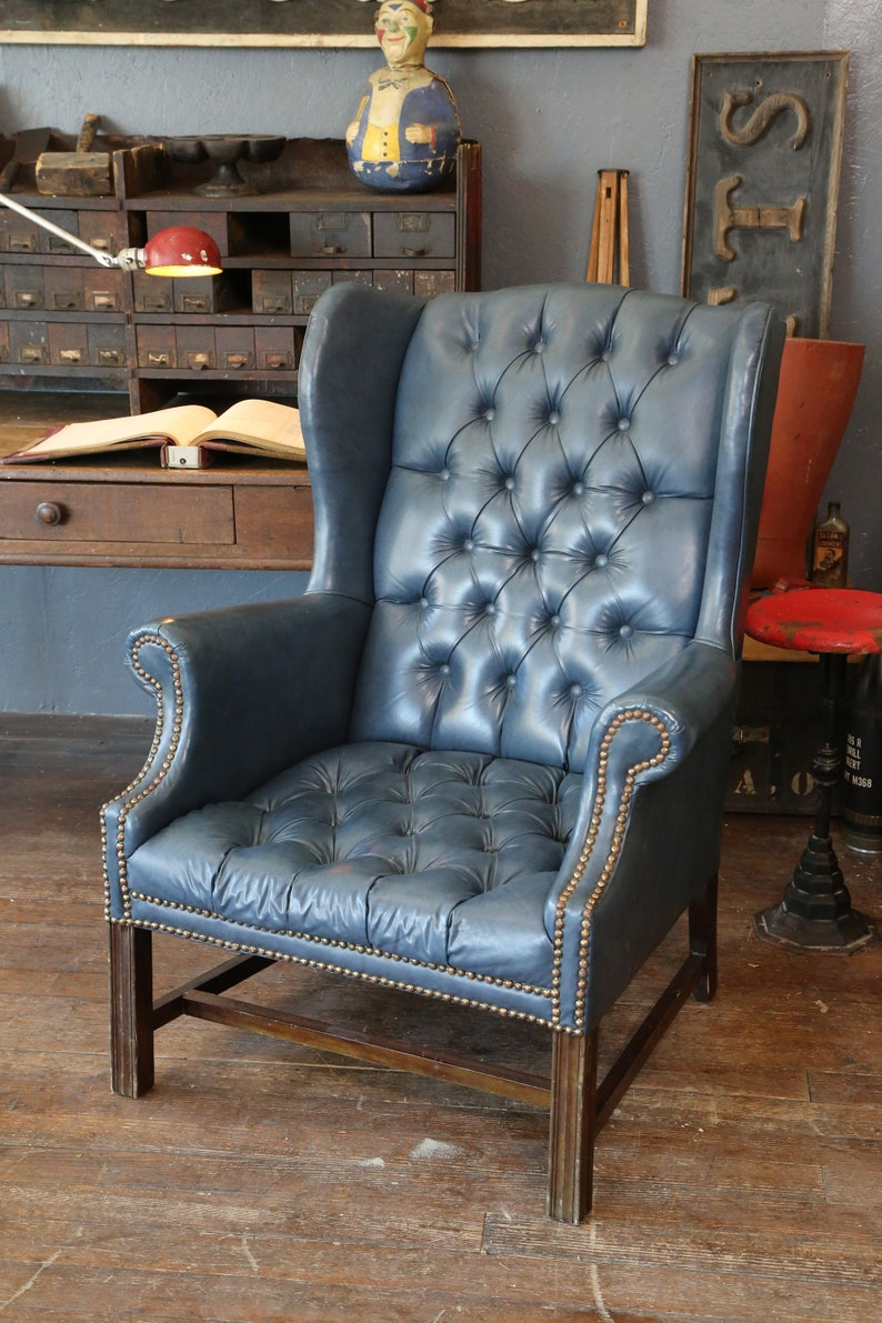 Etonnant Vintage Chippendale Blue Wingback Chair Chesterfield Tufted Button Living  Room Furniture Library Office Loft Home Decor Wood Legs Lounge Arm