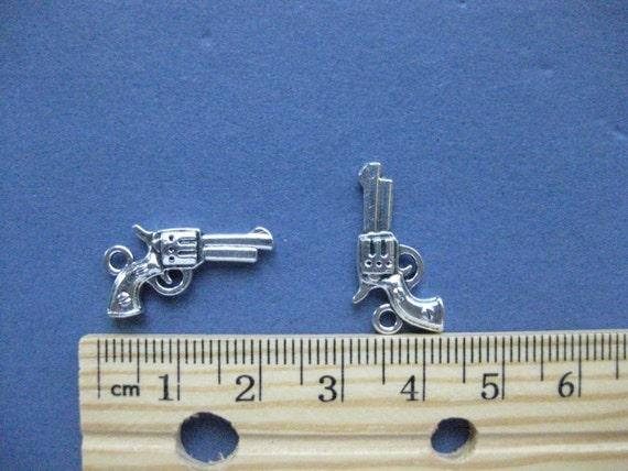 10 Antique Copper Metal Gun Pistol Charms Pendants 22mm x 11mm