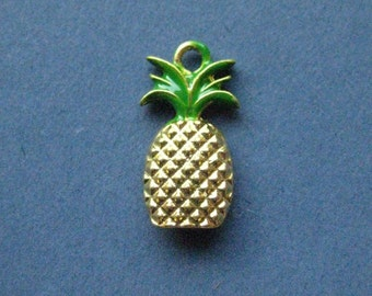 5 Pineapple Charms - Pineapple Pendants - Pineapple - Fruit Charm - Enamel Charm - Bright Gold- 20mm x 11mm  -- (No.19-10891)