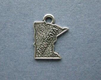 5 Minnesota Charms - Minnesota Pendants - State Charms - Minnesota - Antique Silver - 14mm x 17mm  -- (S5-12134)