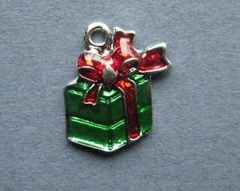 5 Present Charms - Present Pendants - Christmas Presents - Gift - Enamel Charm - 18mm x 15mm -- (E7-12160)