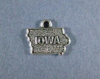5 Iowa Charms - Iowa Pendants - State Charms - Iowa - Antique Silver - 16mm x 14mm  -- (B8-12177)