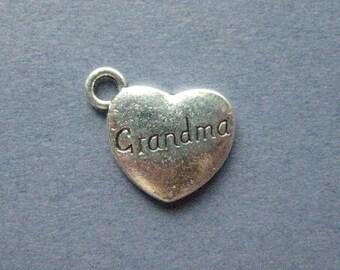 10 Grandma Charms - Grandma Pendants - Heart Charm - Grandma - Antique Silver - 13mm x 15mm  -- (W7-12122)