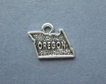5 Oregon Charms - Oregon Pendants - State Charms - Oregon - Antique Silver - 15mm x 12mm  -- (W3-12017)