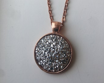 """DRUZY Round pendant necklace. 25mm / 1"""" diameter.  Varying chain lengths. Rose Gold."""