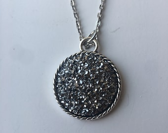 """DRUZY Round pendant necklace. 25mm / 1"""" diameter.  Varying chain lengths. Silver plated"""
