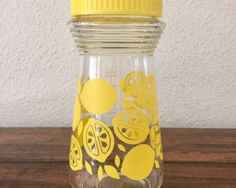 Glass Lemonade Pitcher with Matching Yellow Lid / Vintage Drinkware / Juice Jar / Kitchen Decor / Yellow Lemon Graphics 1