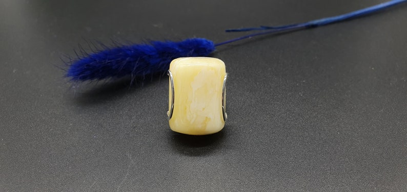 Sizable Ring 6+ 8.6g 332 Rectangle Shape Sterling Silver Ring With Natural White Yellow Amber 16mm Adjustable Amber Ring