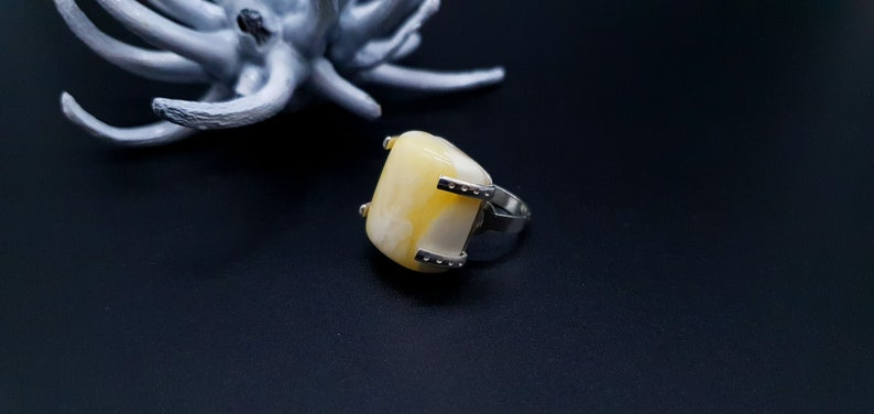 8.0 g 524 Rectangle Shape Sterling Silver Ring With Natural White Yellow Amber 15+mm Sizable Ring 4.5+ Adjustable Amber Ring