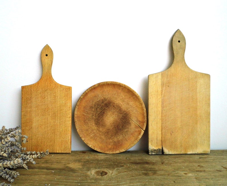 1 Vintage Cutting Board Round Chopping Board Handle Small Wood Rustic Bread Cheese Wooden Serving Board Plate Rustic Kitchen Decor Handmade