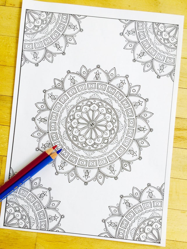 Mandala Divinidad esquina dibujado a mano | Etsy