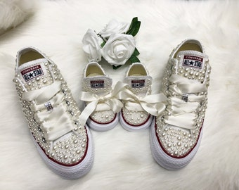 dc3bbc2be02f bride and flowergirl matching converse