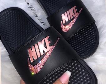 3d73389de Nike Benassi Slides