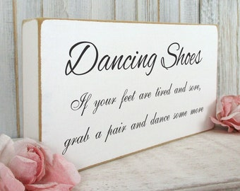 7695b9bb3929 Flip Flops Wedding Sign Free Standing Vintage Shabby   Chic White Wooden Dancing  Shoes 02