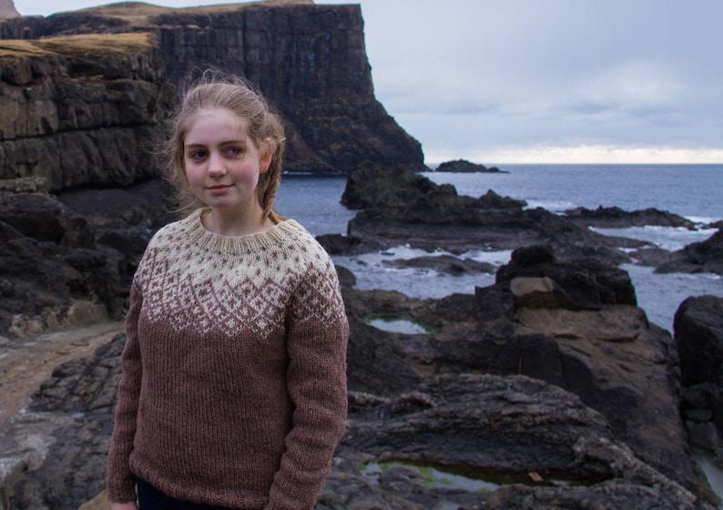 fe2dcd8c493718 Angefertigt aus großen Bohéme Pullover für Frauen bestellen | Etsy