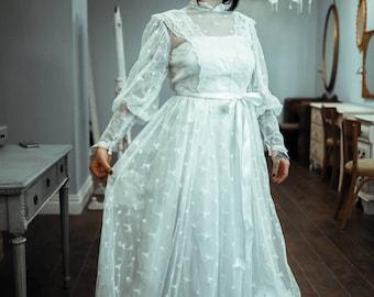 70's Vtg White Long Sleeve Vintage Lace Dress
