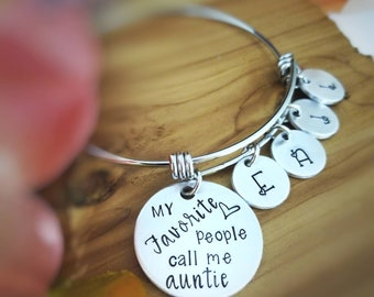 Personalized Aunt Bracelet - Gift for Aunt - My Favorite People Call me Auntie