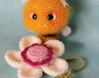 Elfin Thread MINI Fuzzy Bee Amigurumi PDF Pattern (Mini fuzzy bee crochet pattern)