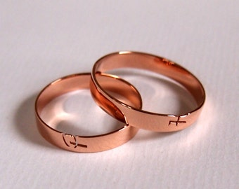 individual rings with initials, for engagement, wedding or just to celebrate love and friendship, in gold and silver