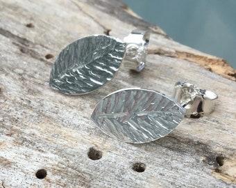 Leaf silver earrings, botanical silver earrings, nature lover earrings