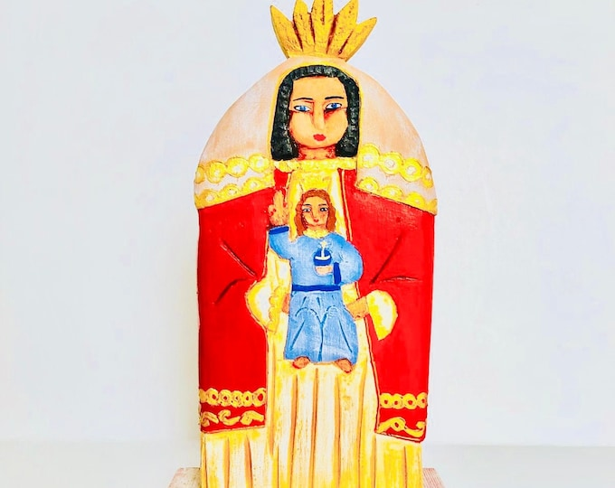 Virgen de  Coromoto  - Our lady of Coromoto Wooden Hand Carved Handmade and paint by Venezuelan artist. Aprox 9.5'