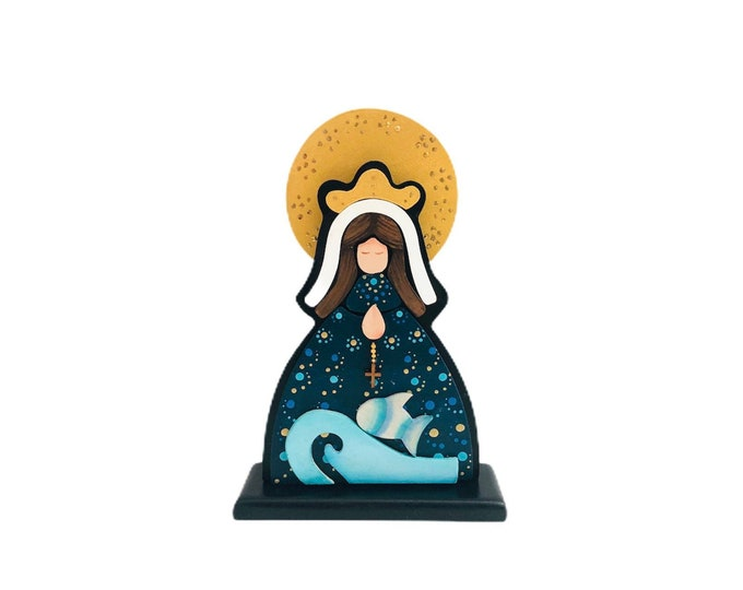 "Wooden Virgin Mary  ""Virgen del Valle""  hand painted with pointillism technique from Venezuelan Artist.  Aprox 8 inches"