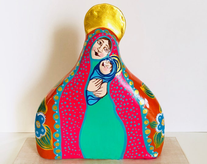 Exquisite Fucsia  Virgin Mary in  Papier-mâché handmade by a Venezuelan artist . 10 x 8   inches aprox