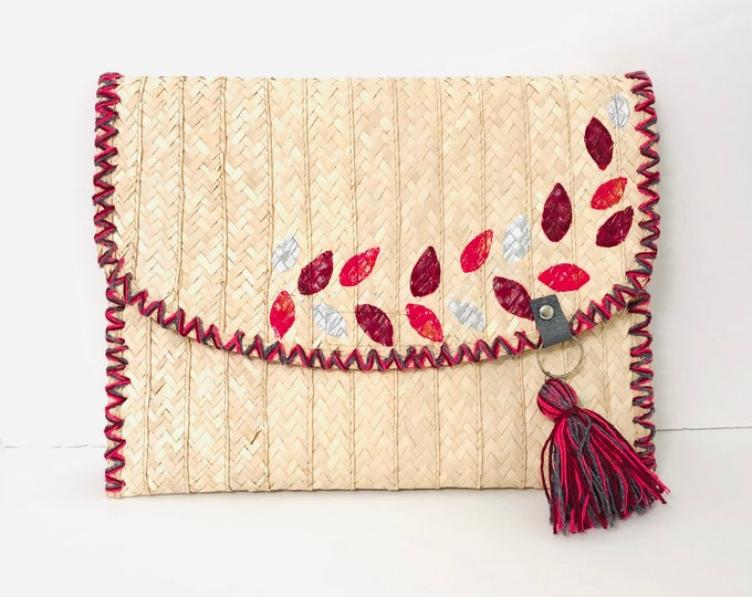 Red Flower Petals  Clutch Handmade Bora Fiber. From Venezuela  - Margarita Island  11  x  8.5 inches