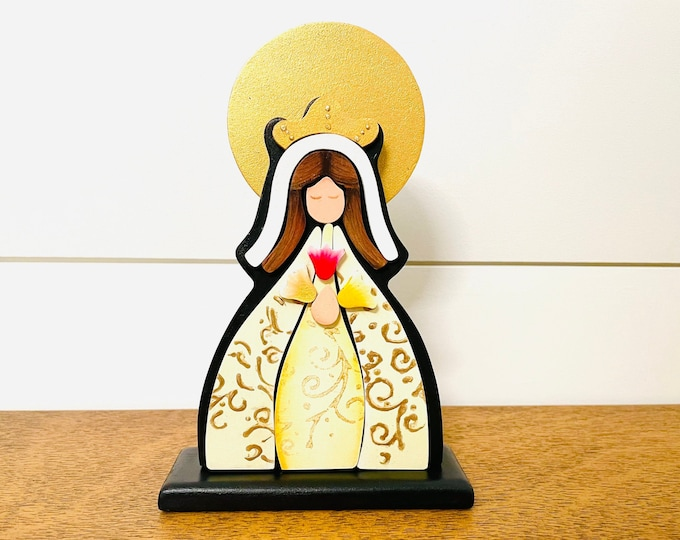 """Wooden Virgin Mary  """"Mystical Rose  or Rosa Mistica"""" hand painted (BEIGE) with pointillism technique from Venezuelan Artist. Aprox 8 inches"""