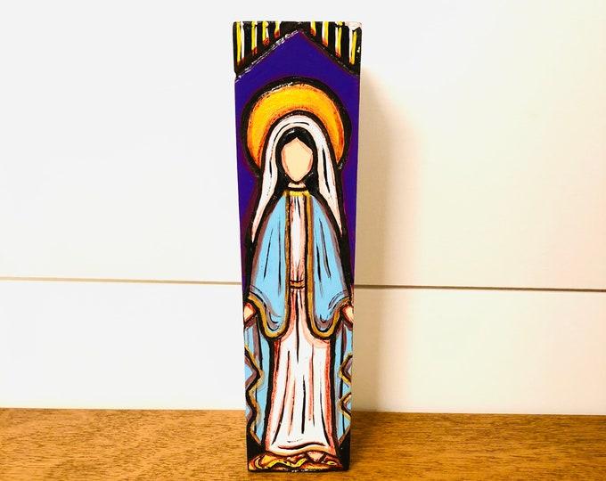 Virgen de la Milagrosa. Handmade and paint by Venezuelan artist. Wood .Height 8'