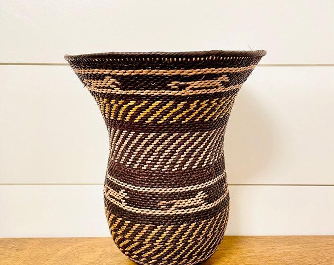 Yekuana Black and Beige Wo-Wa  Basket - Ethnic Collection  9  x 8  Inches aprox
