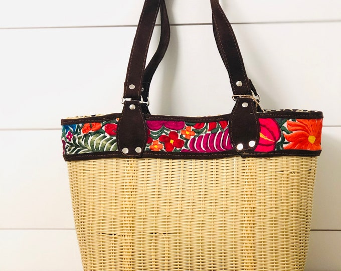 Beige HUIPIL Embroidered Tote bag, woven plastic  Huipil, Faux leather. Handmade in Guatemala