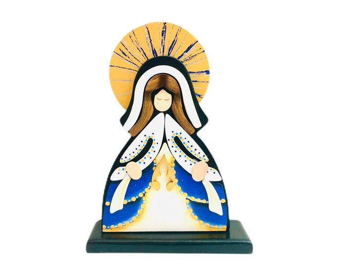 Wooden Virgin Mary   Virgen Milagrosa - Miracolous Medal  hand painted with pointillism technique from Venezuelan Artist.  Aprox 8 inches