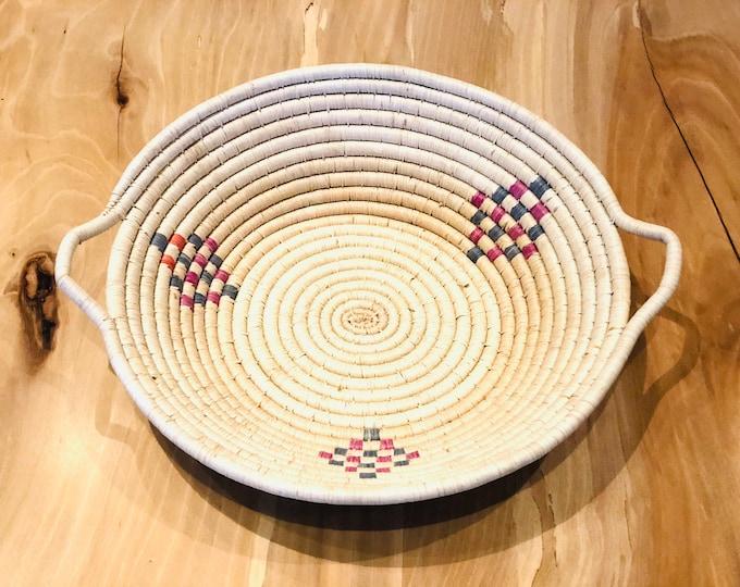 New Design- Warao Indian- Aboriginal Basket (Delta del Orinoco, Venezuela) Aprox 12 Inches