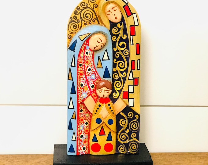 The Holy Family Wood carved Handmade and painted by Venezuelan Los Andes artist. 10 inches