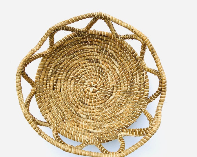 Handmade Warao Indian  woven basket 8  inches aprox.