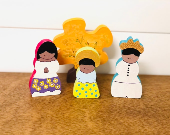 Beautiful Criollo  Nativity with colorful Araguaney Tree handmade by Venezuelan artist. 4 pieces