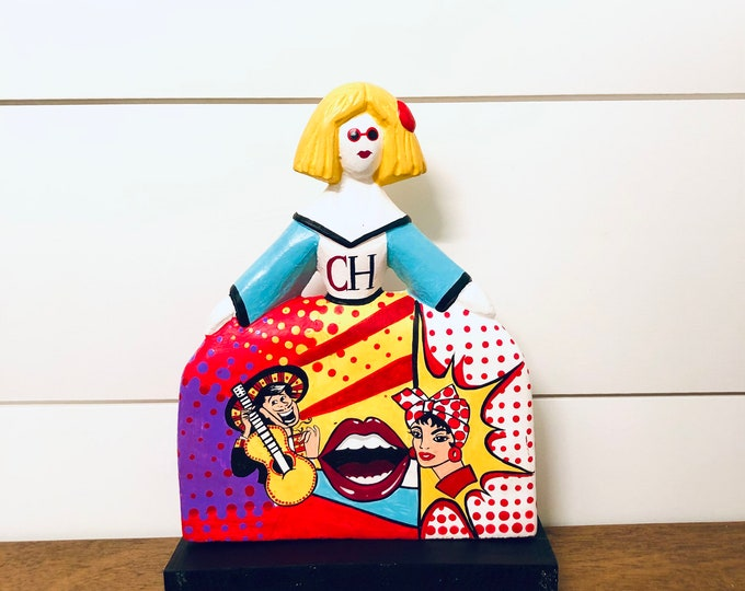 MENINA POP handmade in Venezuela . Wood Statue. 9 inches x 6 inches