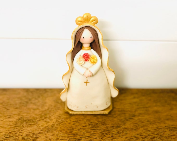 "Virgin Mary  ""Mystical Rose  or Rosa Mistica"" Small Size and paint by Venezuelan artist. 5.5  inches aprox"