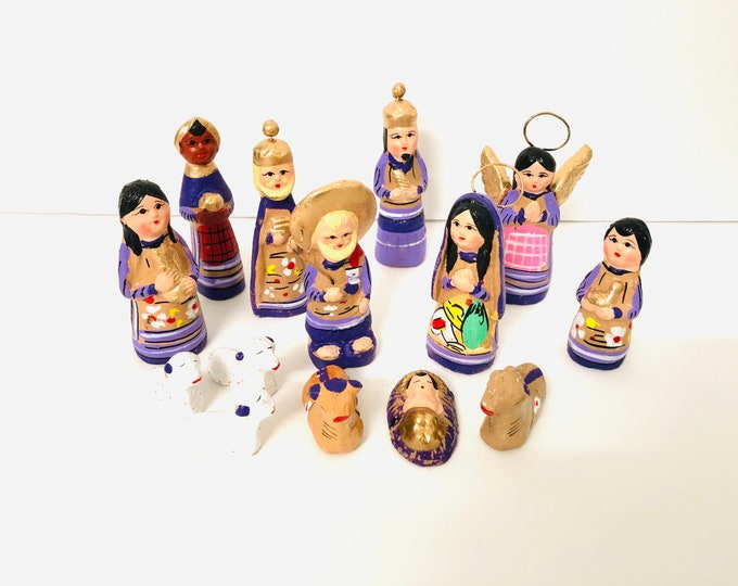 New unique Mexican Folk Nativity 14 pieces violet Gold 5.5' tall aprox