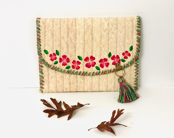 Red  Flowers Clutch Handmade Bora Fiber. From Venezuela  - Margarita Island  11  x  8.5 inches