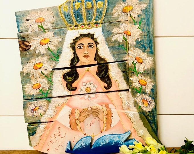 """Wood Retablo with Virgen del Valle. Nueva Esparta Venezuela   """"Retablo"""" . Handmade and Hand painted by Venezuelan artist."""