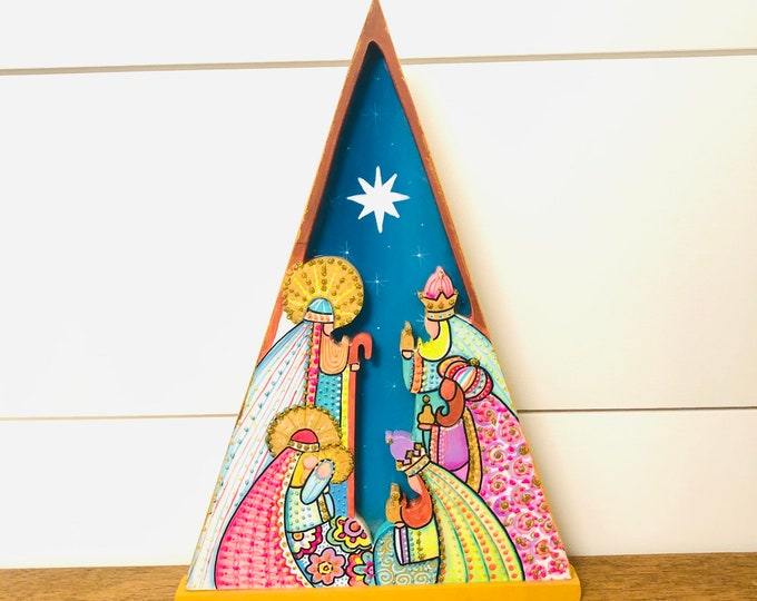 Nativity set Nicho. Triangle Medium  Handmade and Full of details, wood carving. Hecho en Venezuela.