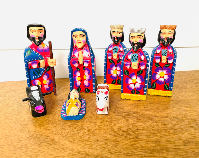 Medium Blue/red Handmade  and hand painted in Guatemala Venezuela. Wood Nativity 8 Pieces Set  from Guatemala.