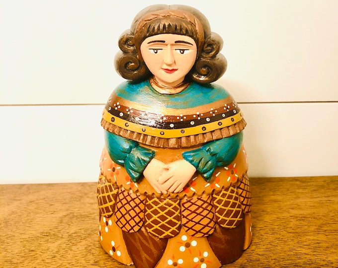 MENINA  Rangel handmade in Venezuela . Wood Statue. 6.5 inches x 4.5 inches