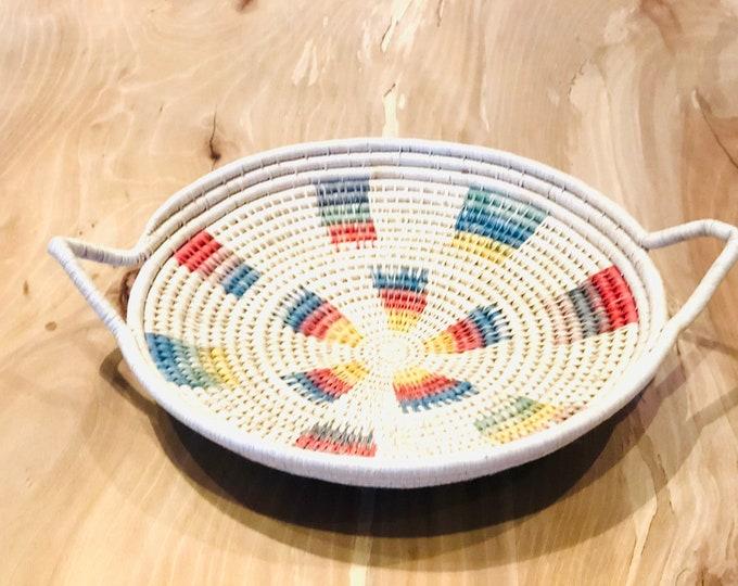 Multicolor plate Basket hand made from Warao Indian  (Delta del Orinoco, Venezuela) Aprox 12 inches