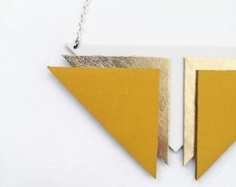 Collier de déclaration géométrique jaune moutarde